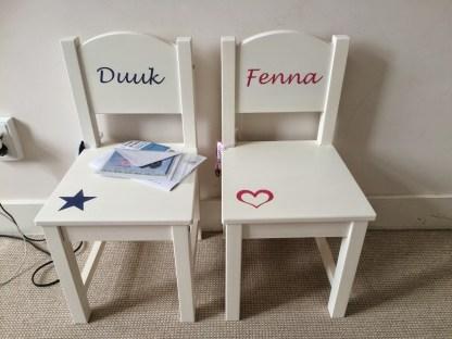stoeltje met naam Duuk en Fenna