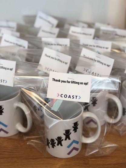 Diverse mokken bedrukt met logo Coast