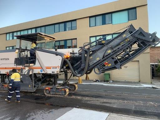 Milling Road Asphalt for Reuse
