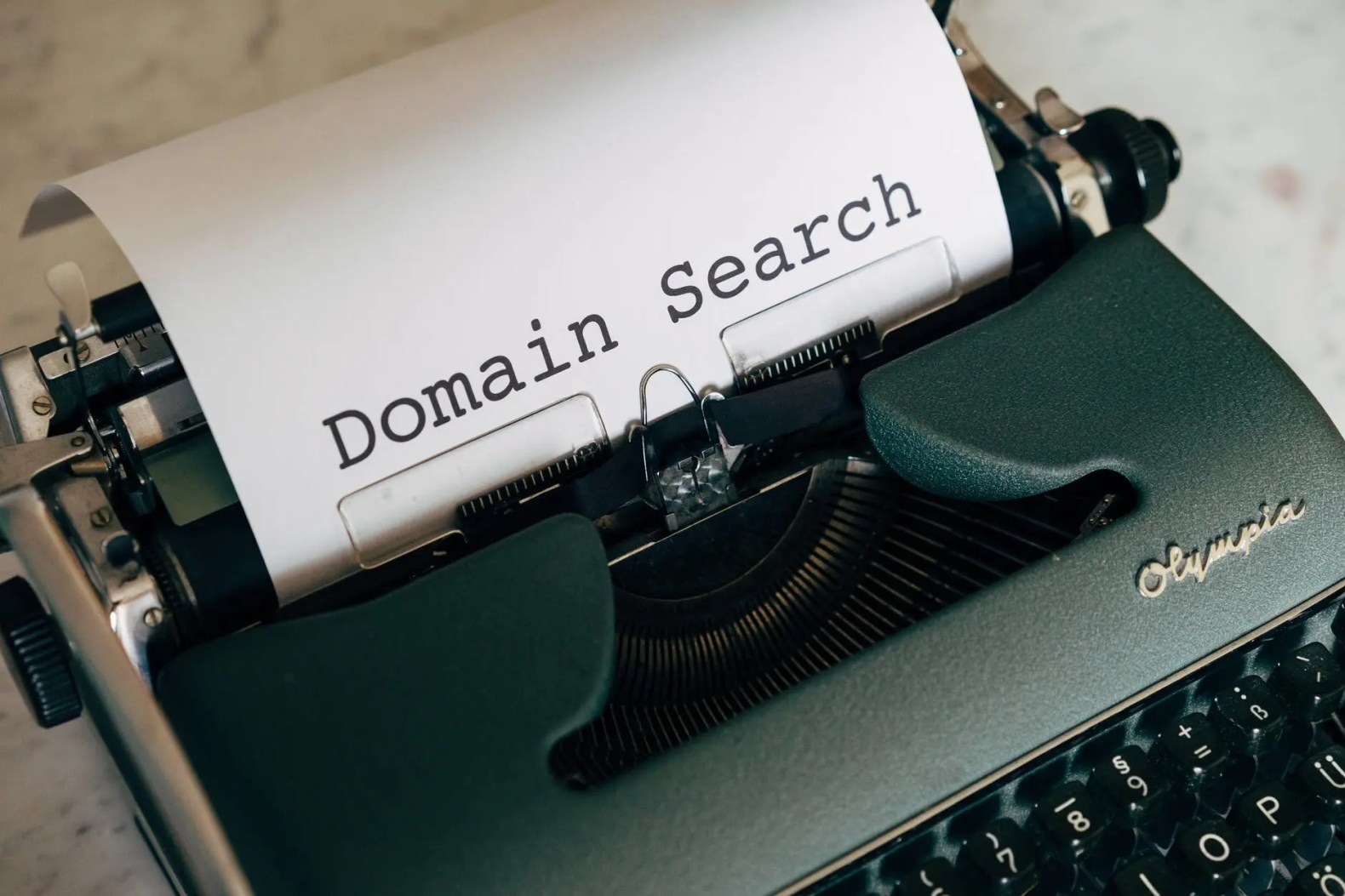 Picking A Name For Your Domain (Blog) or Your Channel (YouTube) - Make money online for beginner