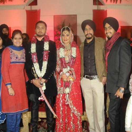 Introducing Yo Yo Singh's wife!!