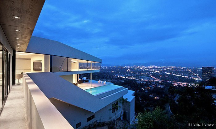 Modern Mulholland Home by Domaen