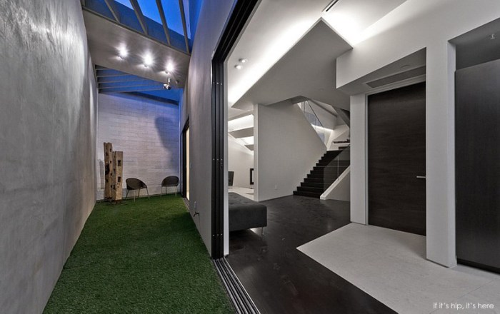 modern mansion on mullholland