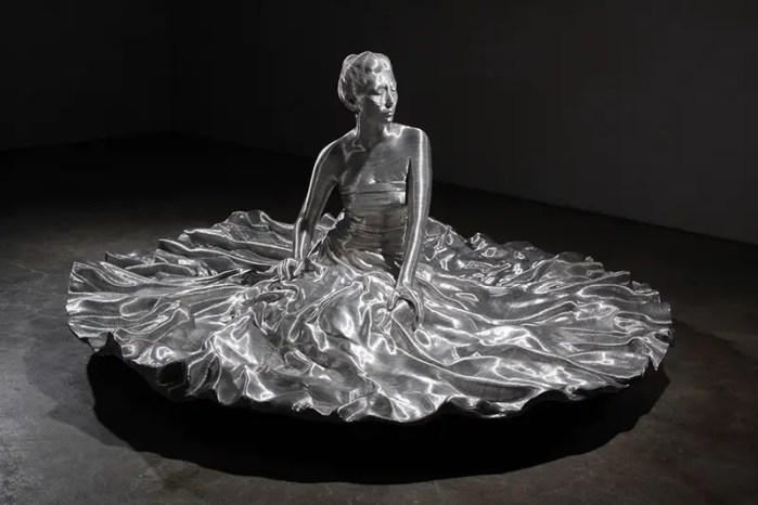 contemporary wire sculpture