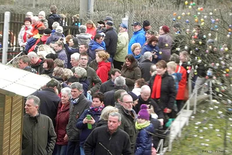 April 3 2015 crowds IIHIH