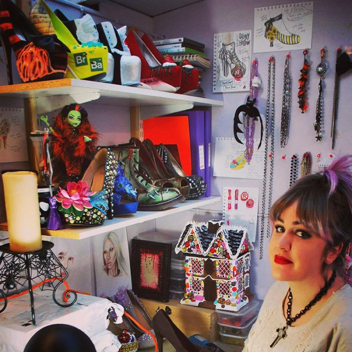 nixxi in her workshop