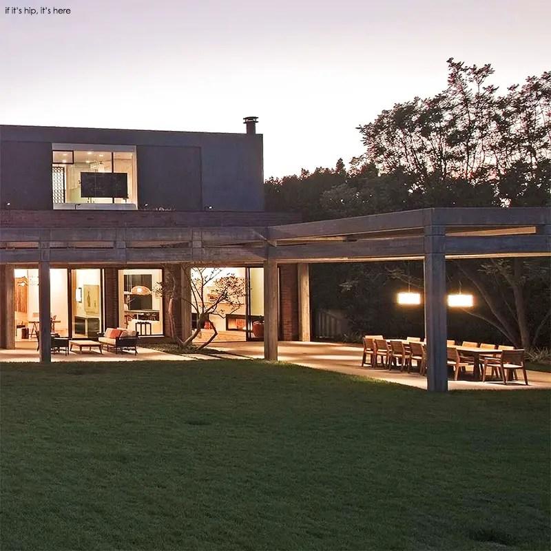 stoneridge residence outdoor dining IIHIH