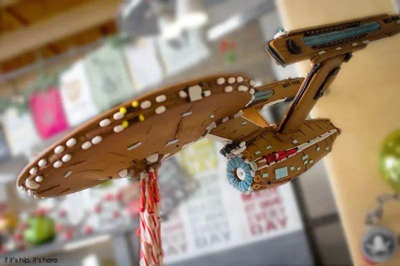 USS Enterprise in gingerbread by Blackmarket Bakery