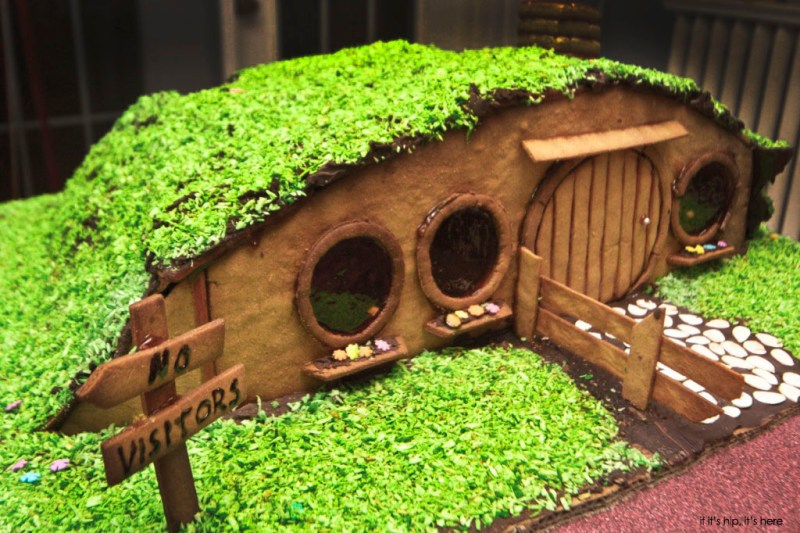 hobbit house of gingerbread
