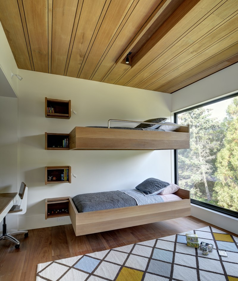 Mothersill-children's room with bunk beds
