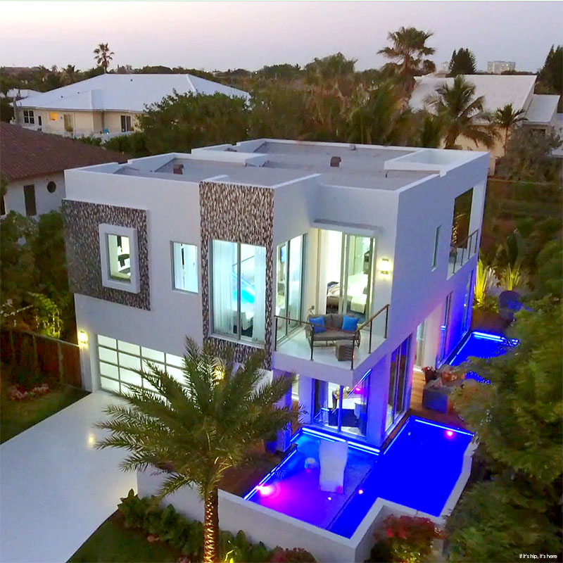 Modern Micro Mansion In Florida on 3 Bedroom House Plan With Garage
