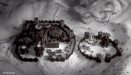 Read more about the article Game of Thrones Opening Now Recreated With Oreo Cookies!