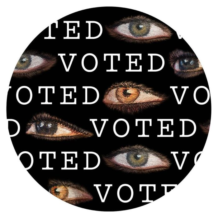 Laurie Simmons I Voted