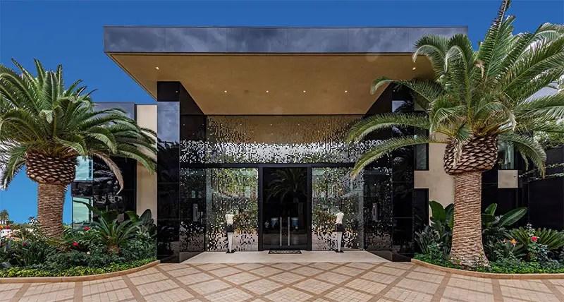 mirror tiled entrance