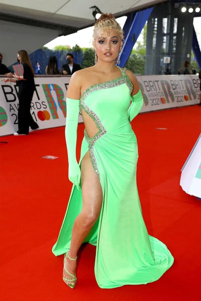 Mabel 2021 brit awards red carpet