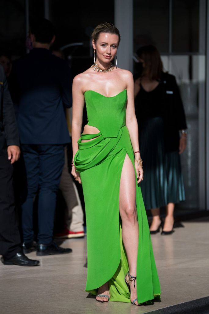 Nataly Osmann in a bright green Balik gown