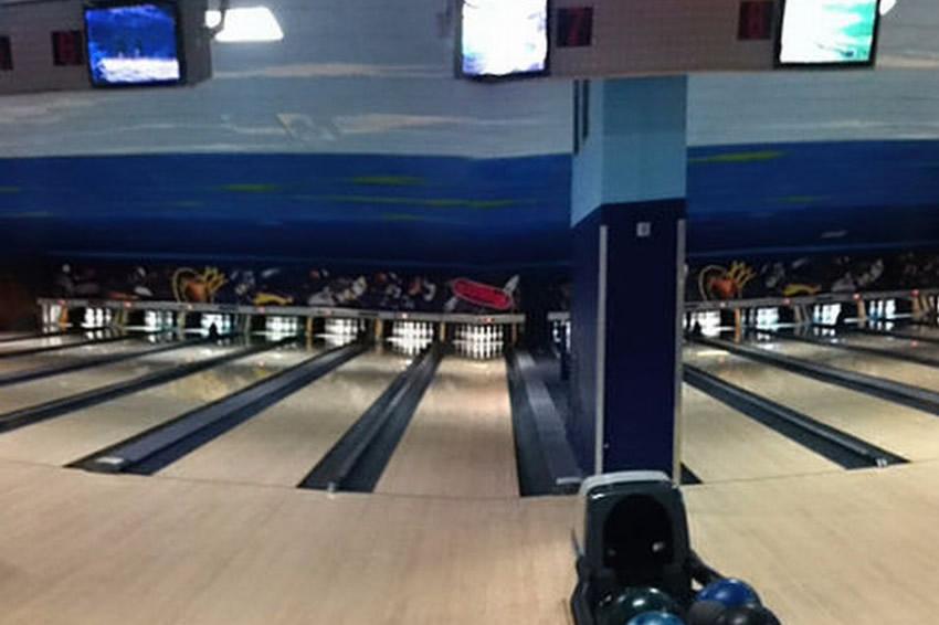 bowling-2000-4