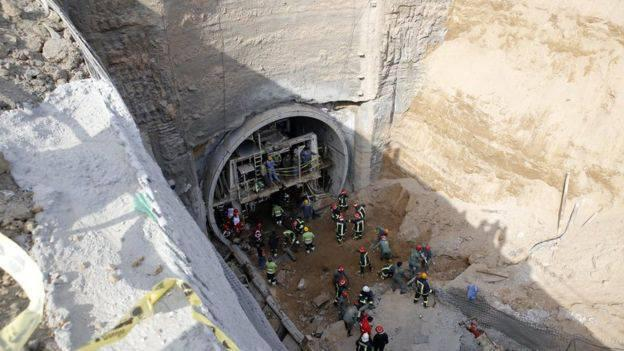 ifmat - Metro Wall Collapses in Qom; Workers Buried Under Debris
