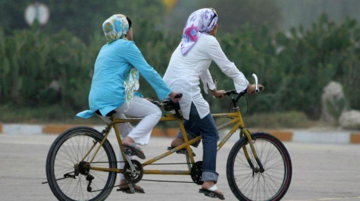ifmat - Religious leaders in Iran consider women on bicycles a threat to morality