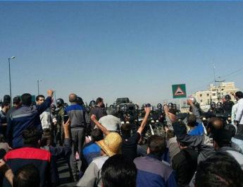 ifmat - Peacefully protesters beaten and arrested by police in Iran