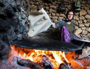 ifmat - The bitter story of women heads of households pain and suffering in Iran