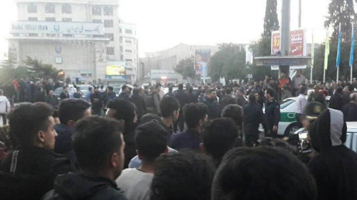 ifmat - Intelligence agents arresting young people on a daily basis in Iran