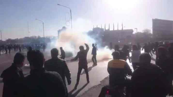 ifmat - Intelligence ministry gents intimidate family of killed protester