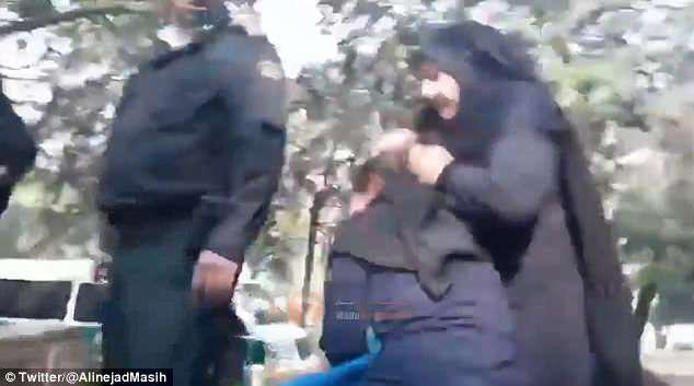 ifmat - Iranian woman physically attacked