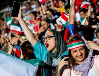 ifmat - Iran women fans resist harassment to attend team game with Spain