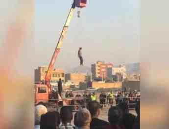 ifmat - Iran publicly hangs man in fars province