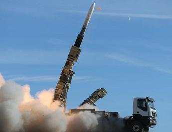 ifmat - US warns Iran against missile launches