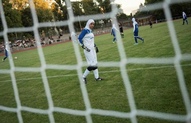 ifmat - Women footballers in Iran complain about their conditions