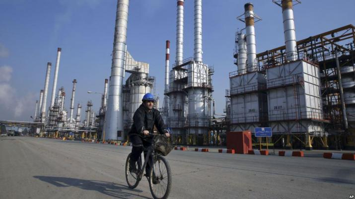 ifmat - US looks to cut Iran oil exports