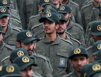 ifmat - Iranian lawmakers wear IRGC uniforms and chant Death to America