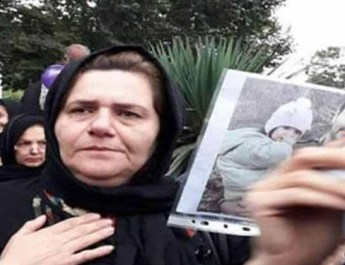 ifmat - Farangis Mazloumi mother of political prisoner held incommunicado