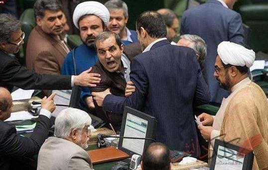 ifmat - Contradictory policies portray a desperate regime