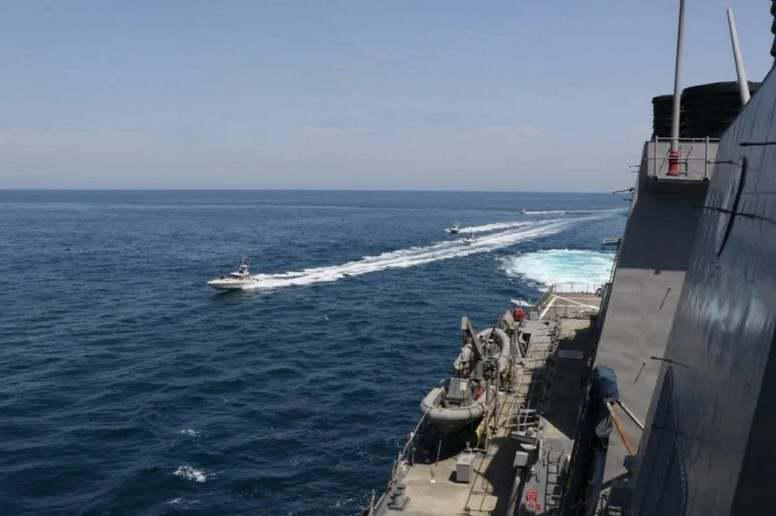 ifmat-US Navy says Iran Revolutionary Guards navy harassed its vessels in Gulf3