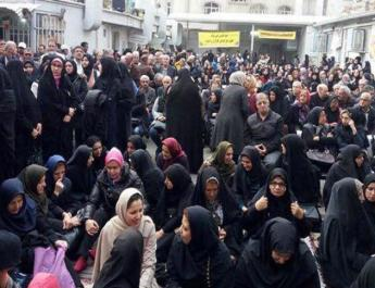 ifmat - Female workers at Iran garbage site denied wages