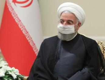 ifmat - Rouhani Says Iran oil revenue dropped
