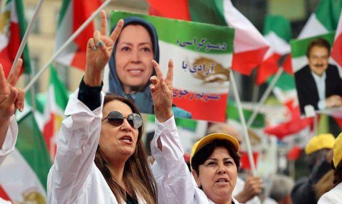 ifmat - Activists urge UN to impose tougher sanctions on Iran