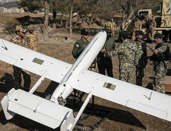 ifmat - Iran shows off dozens of drones in military parade