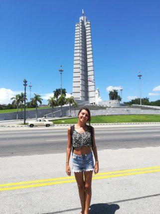 Io a Plaza de la Revolución, trucchi per godersi al meglio Cuba