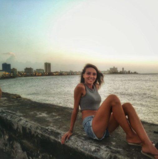 Relax al tramonto su Malecòn de L'Avana