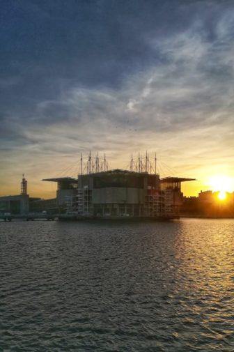Passeggiata al Parque das Nações durante il tramonto