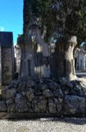 Mausoleo come Castello al Cimitero do Prazeres di Lisbona