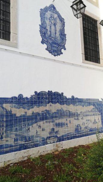 Miradouro di Santa Luzia tra i vicoli di Alfama