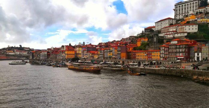 È più bella Lisbona o Porto? Le casette colorate di Porto