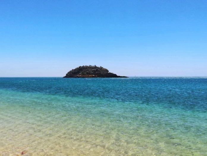 sfumature oceano nella spiaggia di portinho da arrabida