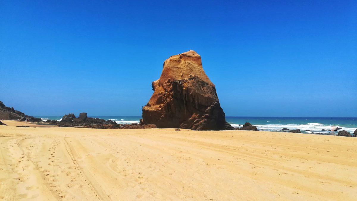 La spiaggia di Santa Cruz per un Portogallo autentico