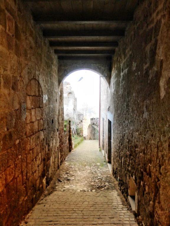 vicoli di celleno borgo fantasma